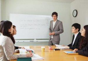 京廊学校新华路校区专注于小语种培训包教包会