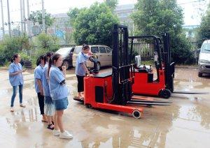 郑州发达柳工挖掘机培训费