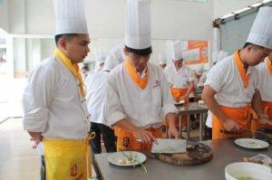 郑州附近厨师培训学校排名
