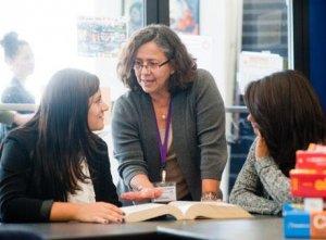 长沙岳麓新时代化妆学校师资状况和讲师教学水平如何?
