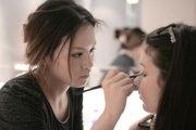 东莞莞城中心想学影楼化妆哪个学校好