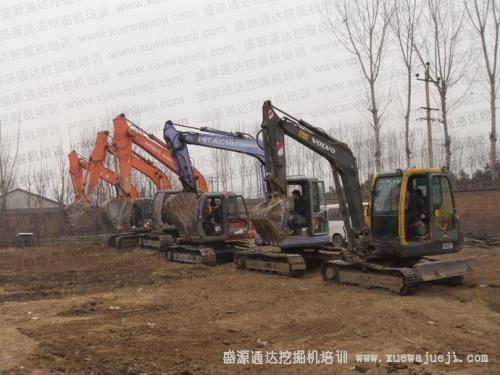 潜江洪江市斗山挖掘机培训学校
